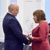Губернатор Виктор Назаров вручил пятерым многодетным омичкам медали «Материнская слава»