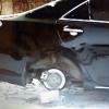 Воры оставили без задних колес машину омской телеведущей