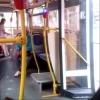 Росгвардейцы задержали пьяных омичей, угрожавших кондуктору и автобусу