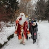Омский Дед Мороз встретил первых посетителей сказочного леса