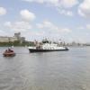 В Омске со дна Иртыша подняли затонувшую яхту (видео)