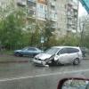 В ДТП на Набережной в Омске у машины вылетело колесо