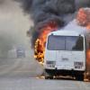 На омской трассе полностью сгорел автобус