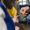 Омичи стали в 6 раз чаще использовать банковские карты для оплаты проезда