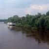 Из-за неисправности двигателя теплоход с пассажирами врезался в берег в центре Омска