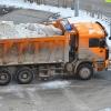 Чтобы убрать снег с улиц Омска, привлекут еще 30 самосвалов