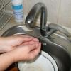 В разных районах Омска у жителей отключили холодную воду