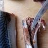 Из-за червей в рыбе у омички пропал аппетит