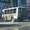 В Омске у «АТ-Маркета» сгорел ПАЗик