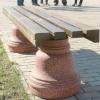 Скамейки защитили от вандалов