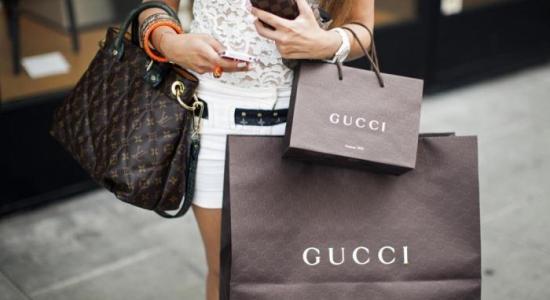 cadf28e1d483 Почему люди приобретают дорогие брендовые вещи