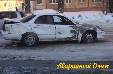 ВОмске при столкновении иномарки со«скорой» пострадали двое медработников  и шофёр