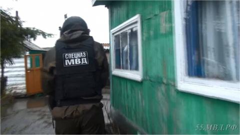 Четверо граждан Омской области устроили нарколабораторию начердаке дома
