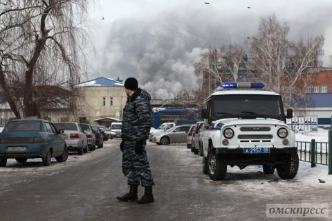 Омский губернатор успокоил омичей и провёл совещание на заводе СК