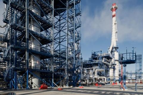"""За три квартала текущего года """"Газпромнефть-ОНПЗ"""" переработал 16 миллионов тонн нефти"""