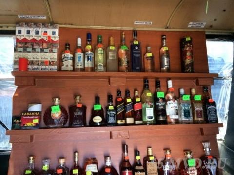 В Омске из автобуса продавали казахское виски, водку и ликёр