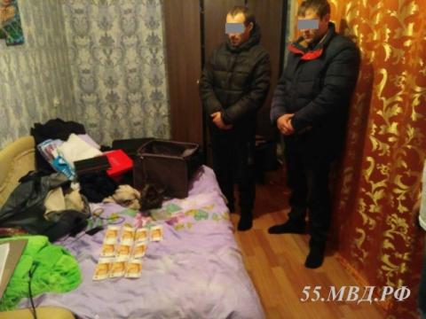 В Омской области двое мужчин расплатились за машину фальшивками