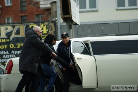 Омские гаишники оштрафовали лимузин Газманова