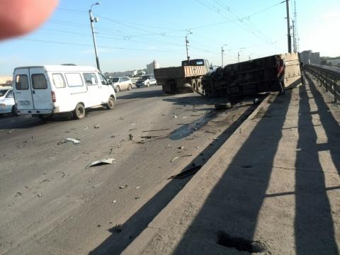 Стали известны подробности утренней аварии на мосту возле Телецентра