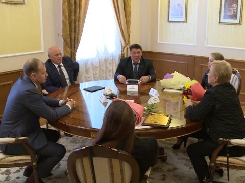 Встреча губернатора со спортсменками.