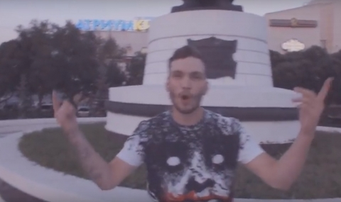 Омичи посоветовали молодому рэперу DeKay поработать на заводе Баранова
