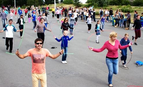 На праздновании Дня молодёжи омичи поставили рекорд