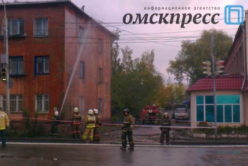 В Омске загорелся многоквартирный дом на 5-ой Северной