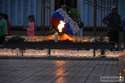 Более тысячи омичей зажгли «Свечу памяти»