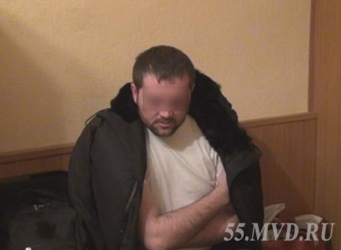 """Перевозивший """"синтетику"""" из Москвы наркокурьер задержан в Омске"""