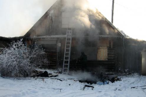 Пять человек пострадали на пожаре в Омской области