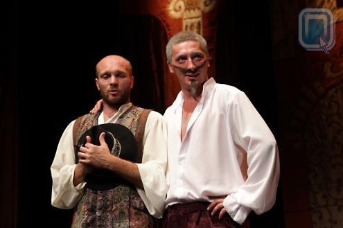 Лицейский театр показал во Франции Мольера