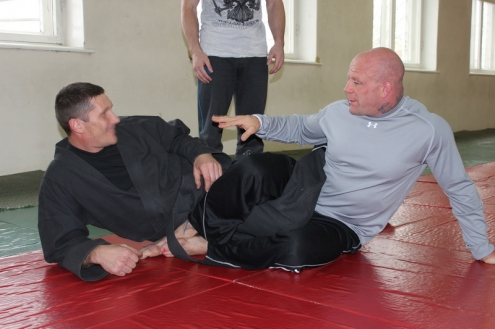 Джефф Монсон провел мастер-класс для омского спецназа
