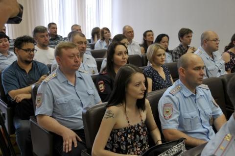 Омские журналисты на день станут полицейскими