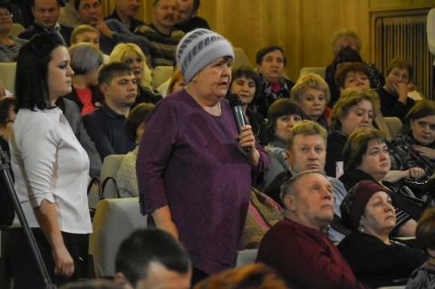 В Калачинске врио губернатора Омской области проводили калачом