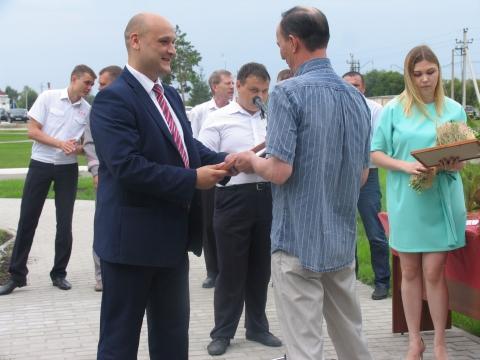 В Омской области ко Дню железнодорожника в депо Входная обновили здание