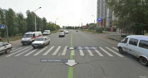 """В Омске """"Тойота"""" сбила двух пешеходов"""