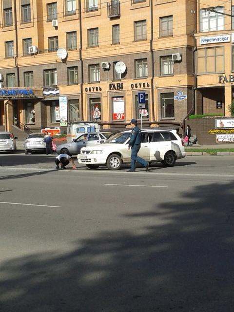 В центре Омска столкнулись два автомобиля