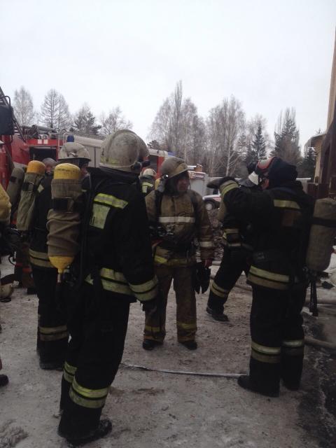 В Омске горел склад пенопласта
