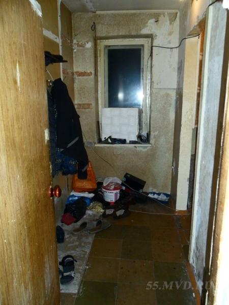 В Омске четверо грабителей с пистолетом забрали игровую приставку