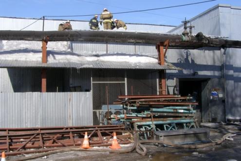 В Омске сварщики едва не сожгли склад с 500 работниками
