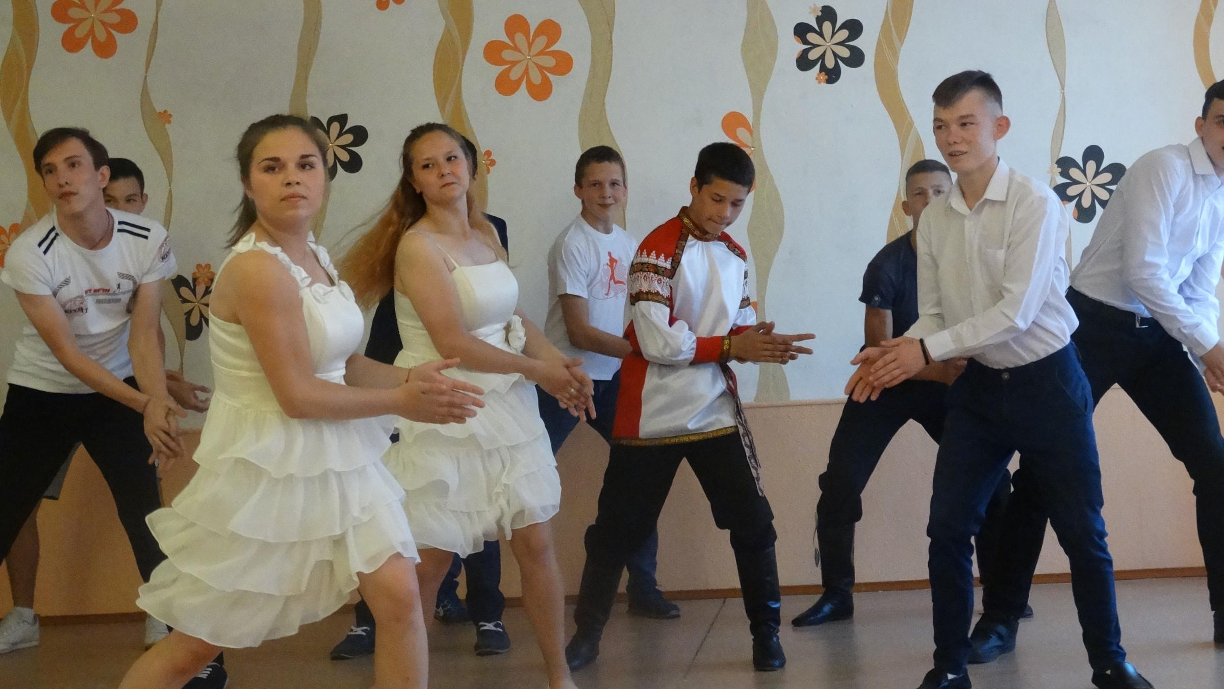 Омские следователи посетили выпускной в детдоме №4
