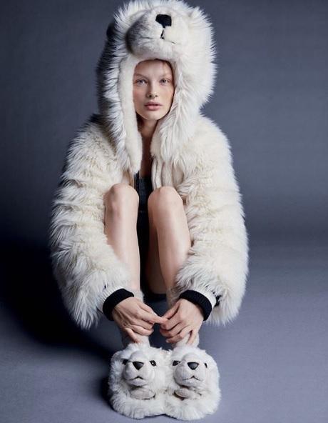 Омичка оказалась на обложке Vogue