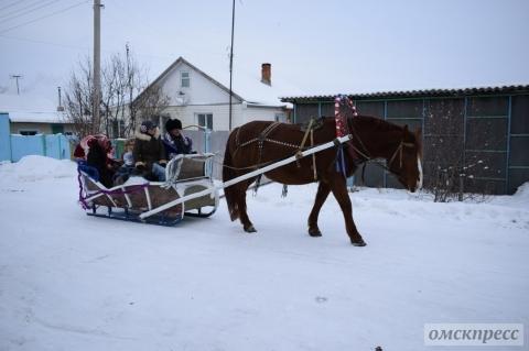 Омичи могут покататься на санях вместе с Морозкой