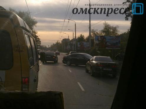 Омичи сообщают о пробках на Красном пути