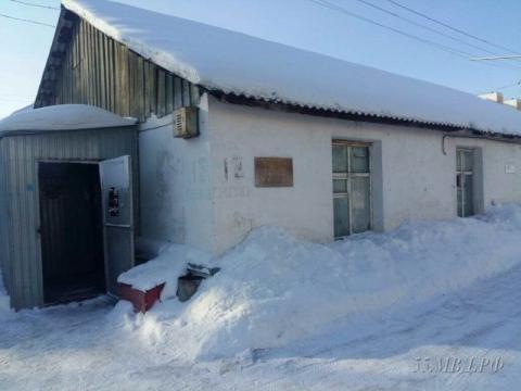 Омские полицейские остановили продажу нелегального алкоголя на Северных