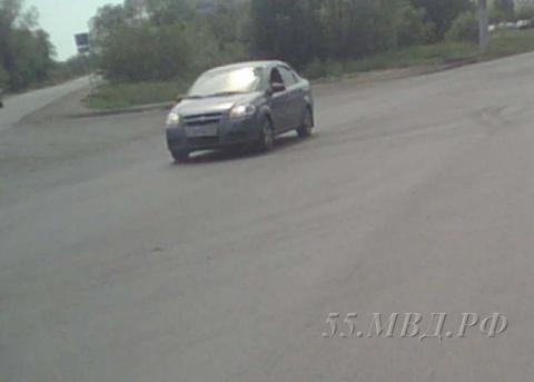 В Омске водитель на «Шевролет-Авео» сбил девушку и скрылся