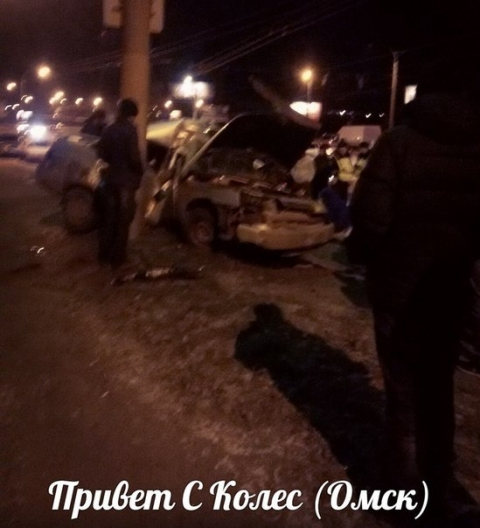 Очевидцы: В аварии у Телецентра погиб человек и четверо пострадали
