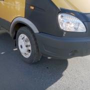 Отлетевшее от ГАЗели колесо травмировало пенсионерку