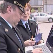 Омские приставы встретились с должником под видом покупателей автомобиля