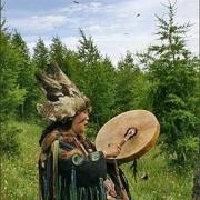 Потомственный шаман поздравит омичей